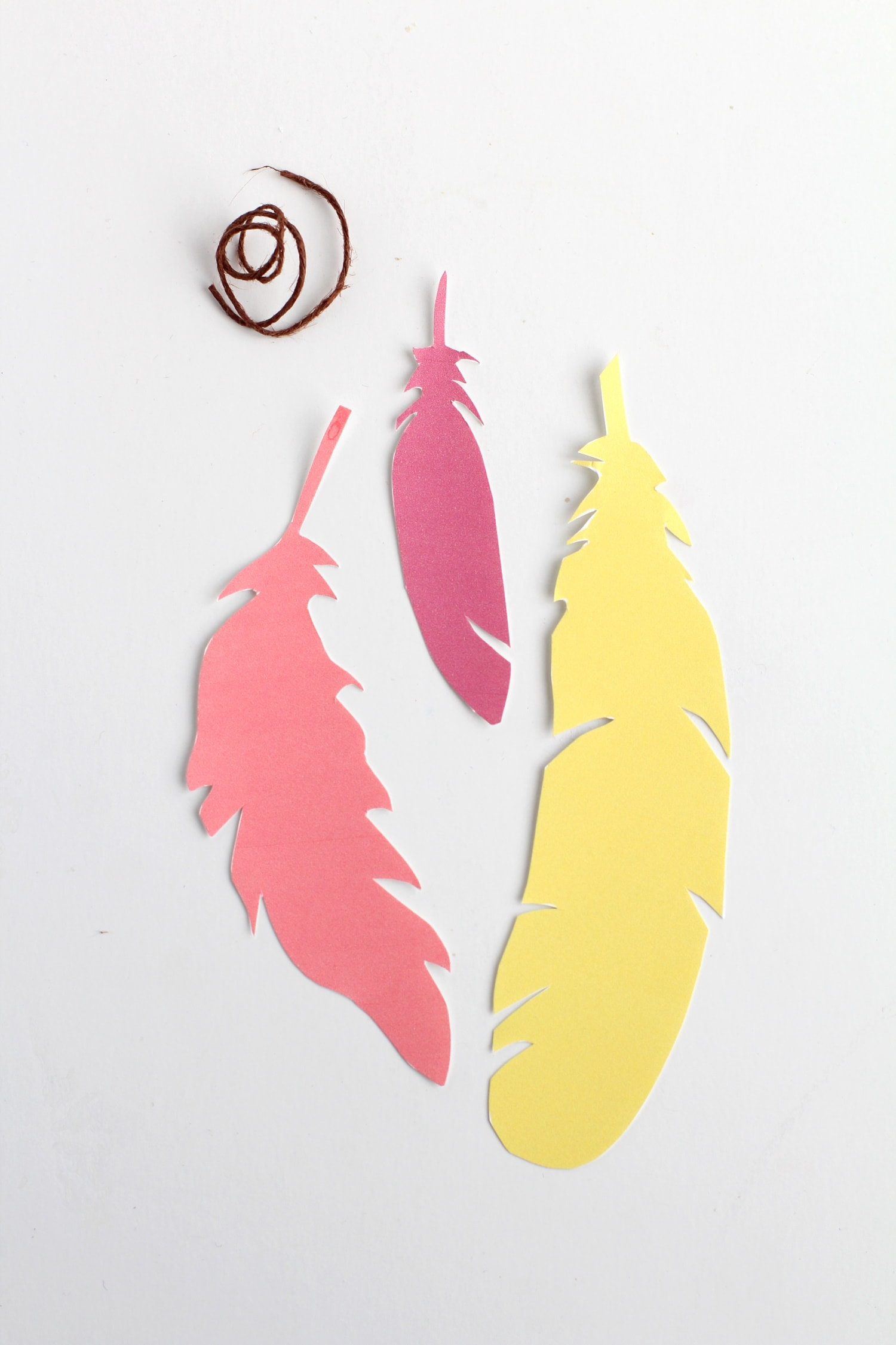 DIy feather bookmarks with free printable feather templates