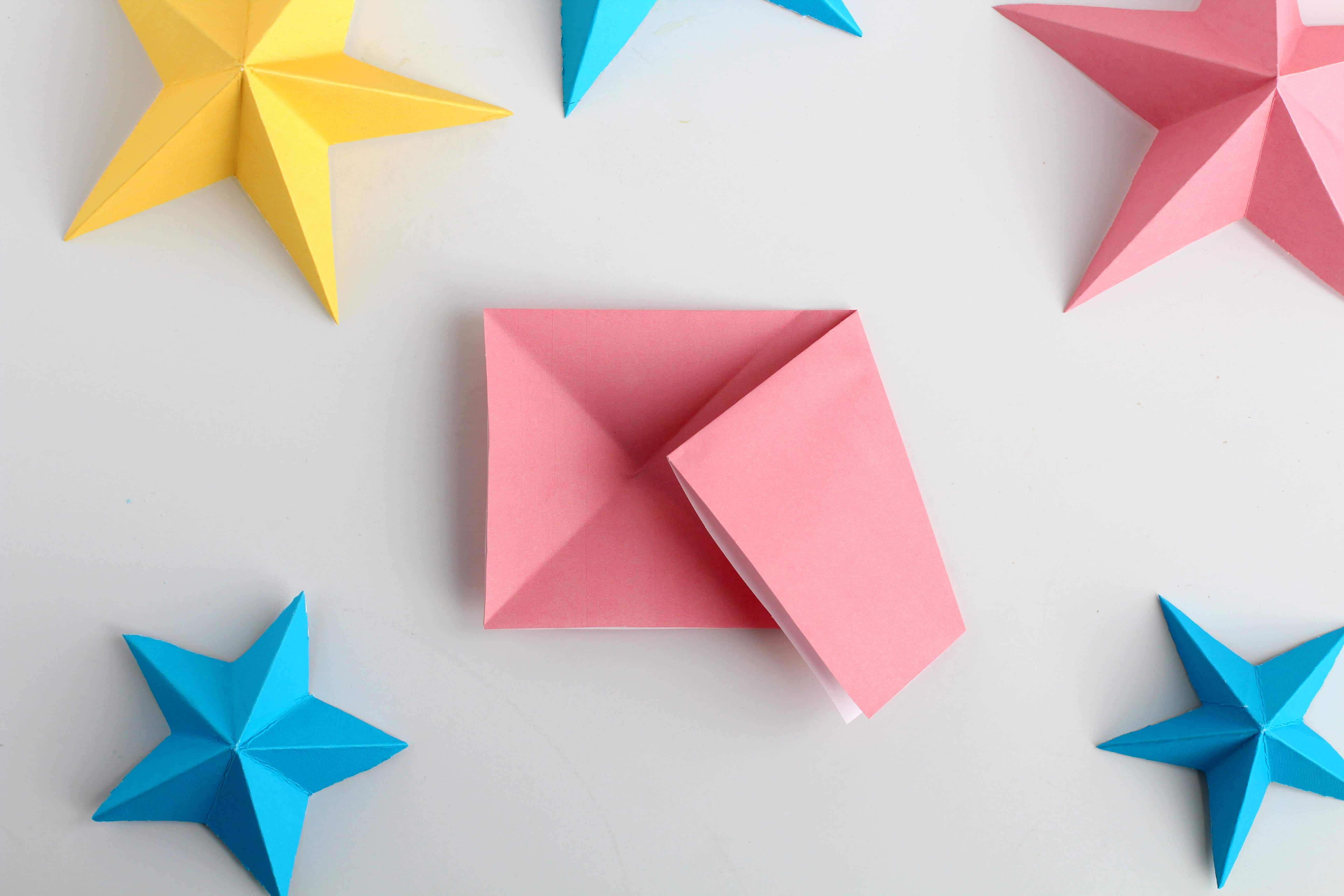 how to make 3D paper stars the easy way  | fold the upper right hand corner
