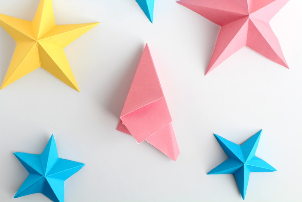 how to make 3D paper stars the easy way   fold your star in half