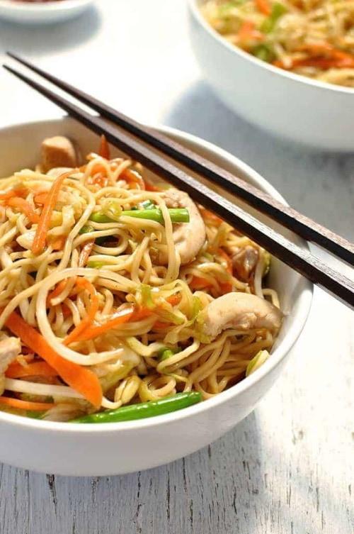 chinese stir fry noodles as a cheap dinner idea